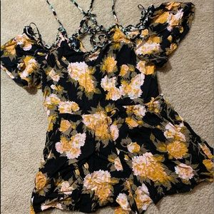 Romper off the shoulder black yellow floral Small
